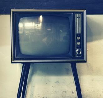 klussen tijdens tv reclames